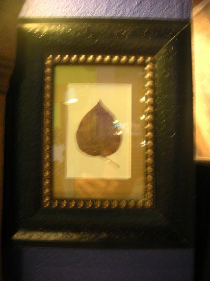 Black Baroque Frame with Single Leaf - CRbb