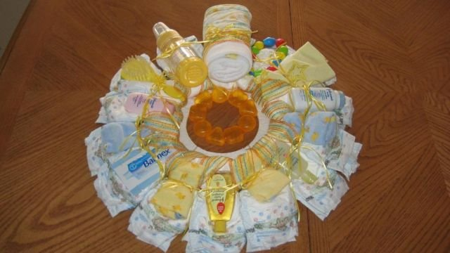 Medium Yellow Diaper Wreath  - THmyw