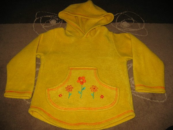 LOVELY LEMON FLEECE HOODED TOP. AGE 5