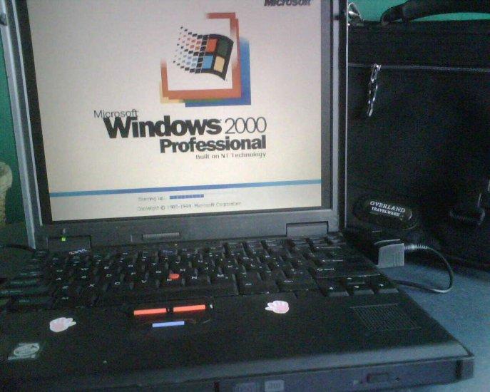 IBM Thinkpad 600E/ P2-400mhz/ 20gb/ cdrw/dvdrw win 2k laptop