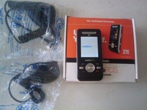 METRO PCS ZTE EZZENSE C70  PHONE.........