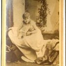 Newsboy of Actress Ida Mulle