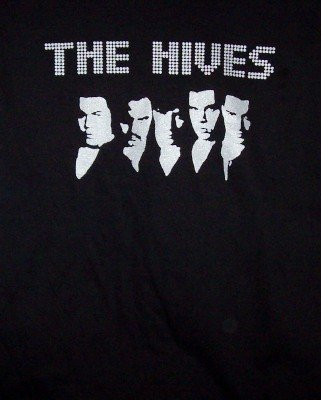 The Hives T-Shirt Silver Heads Logo Black Size Small