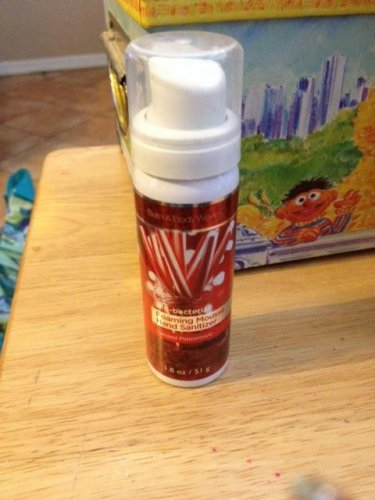 Rare Bath and Body Works Twisted Peppermint Foam Hand Sanitizer