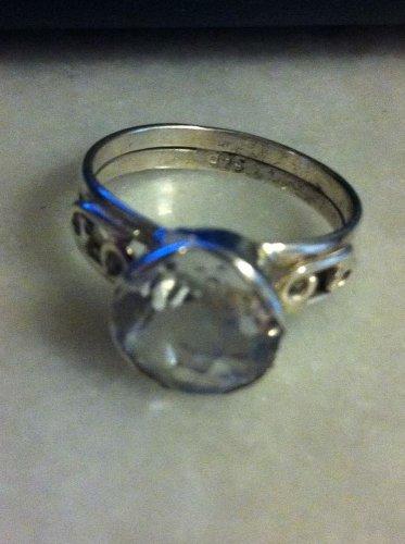 Sterling Silver .925 White Quartz Solitare Ring  Size  8 $39.99