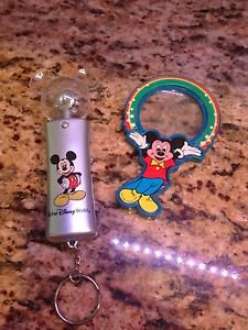 Mickey Mouse Vintage Magnifying Glass & Spinning Electronic Light Toy Keychain $14.99