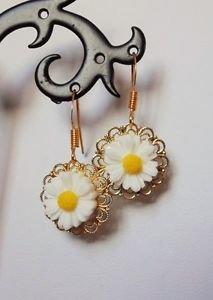 GOLD PLATED  earrings DAISY setting FILIGREE  white 15mm hooks VINTAGE DESIGN