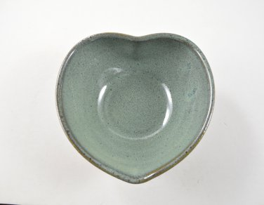 Heart Shaped Pottery Bowl, Trinket Bowl, Wheel Thrown Stoneware Pottery by Seagrapes Studio