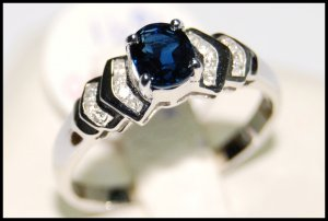 Genuine 18K White Gold Solitaire Diamond Blue Sapphire Ring [RS0099]