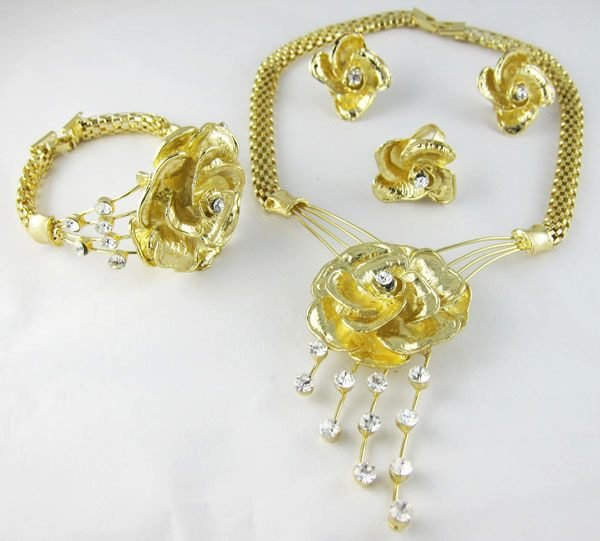 Golden Rose Jewelry Set