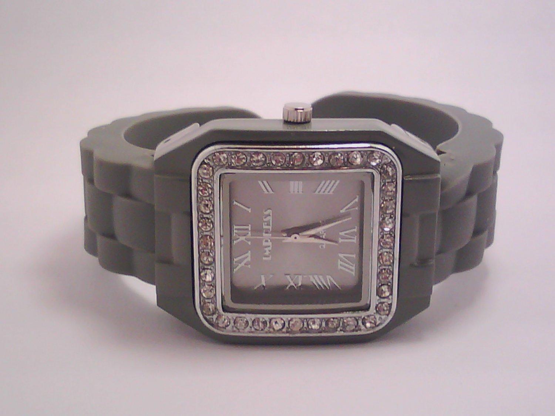 Gray Lady's Fashion Analog Watch