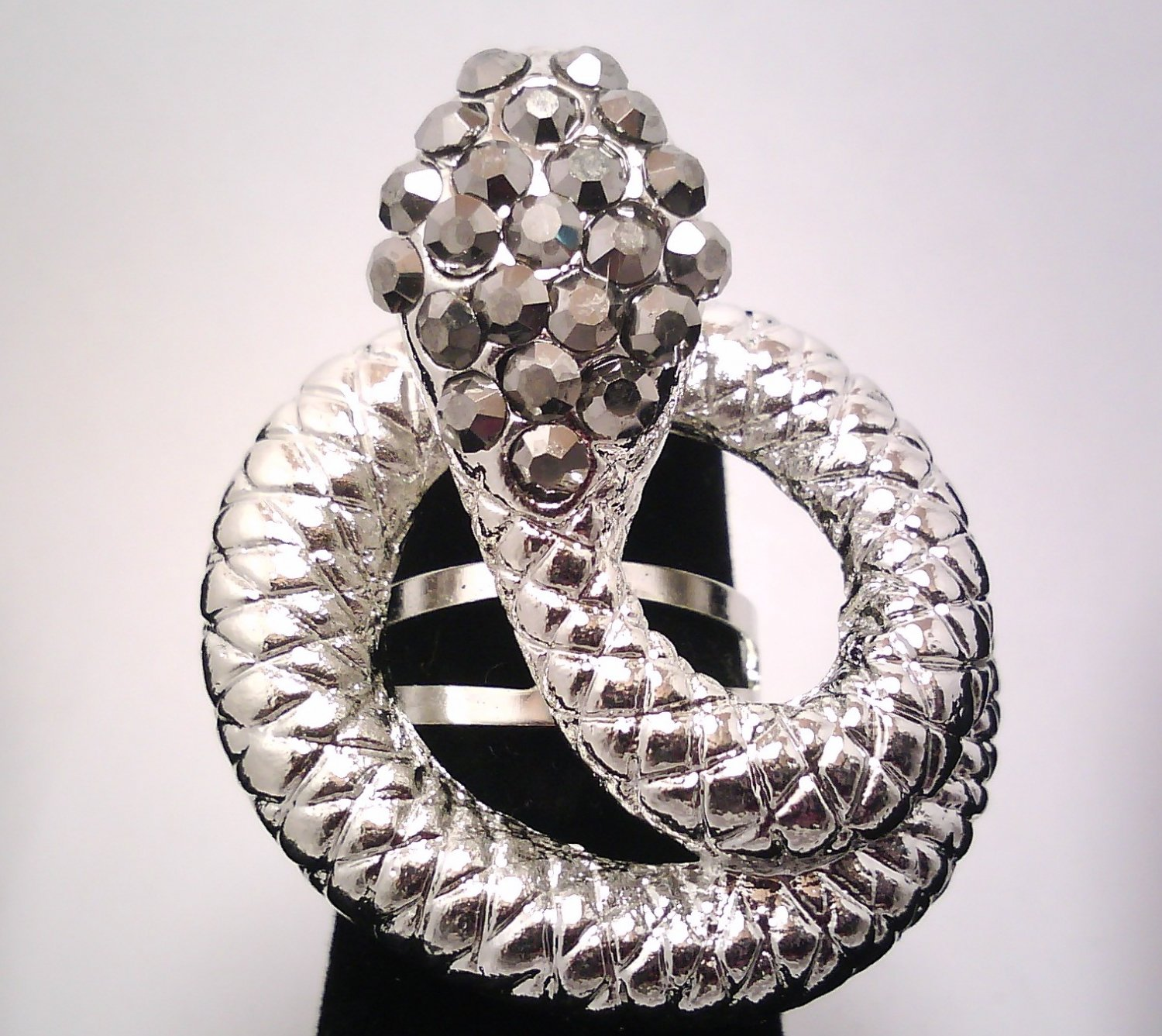 Black Snake Fashion Ring