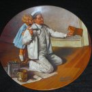 "KNOWLES VINTAGE DECORATIVE PLATE ""THE PAINTER"""