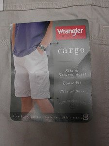 "WRANGLER MEN'S BIG & TALL CASUAL CARGO SHORTS sz 48"" KHAKI, HAS MANY POCKETS"