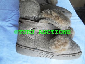 BLUE SUEDED GIRL'S COZY WINTER WARM COMFY SHOES BOOTS size 10, Tan NEW