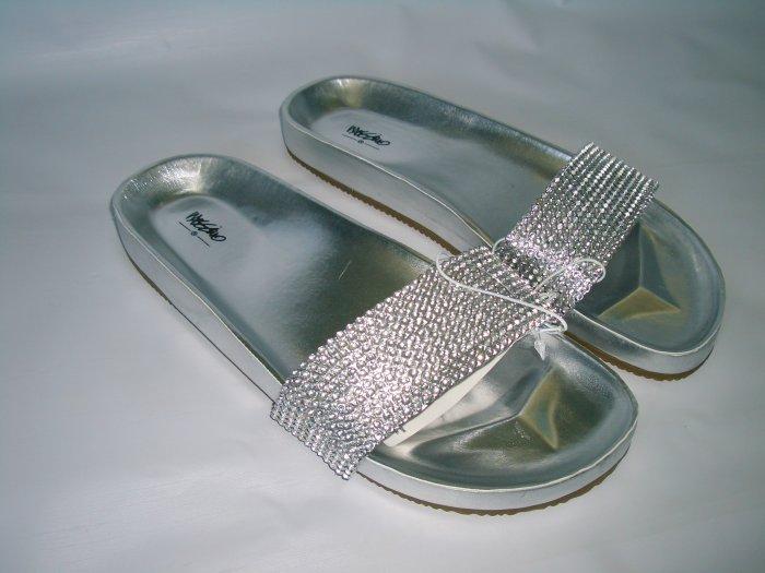 Mossimo Silver Rinestone Sandal