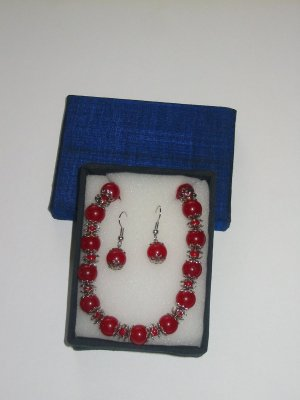 Red glass necklace and earring set