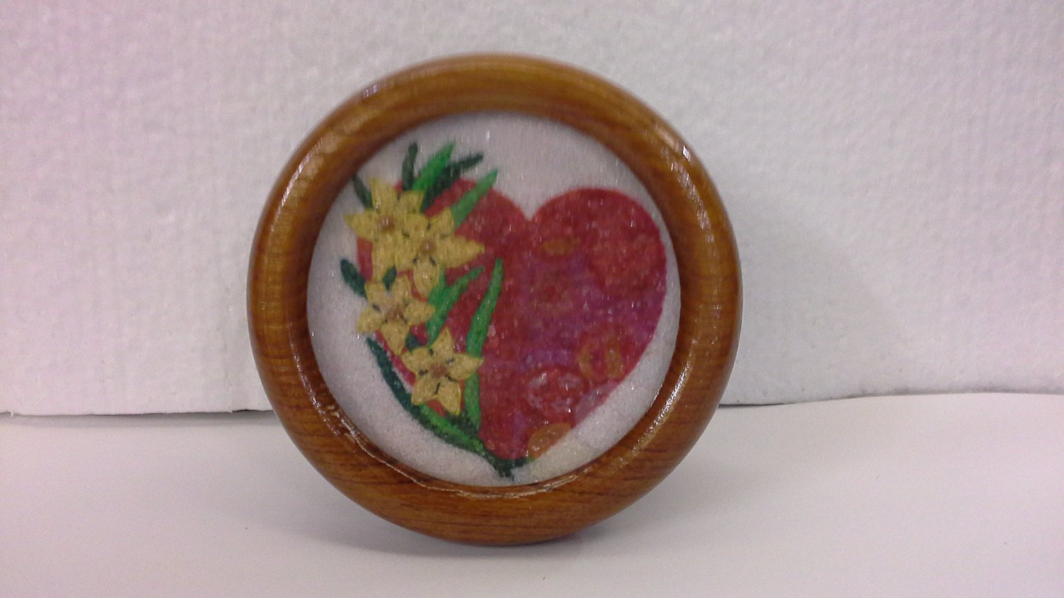 GEM Artwork PICTURE of RED HEART Shape in Wooden Frame Nice Collection Gift