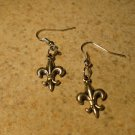 Earrings Tibetan Silver Fleur de Lis Charm Pierced Dangle NEW #185
