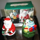 Adorable Santa Christmas Salt & Pepper Shaker NICE! #D197