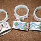 Beautiful White Flower Design Ceramic Napkin Rings X6 NICE! #D177