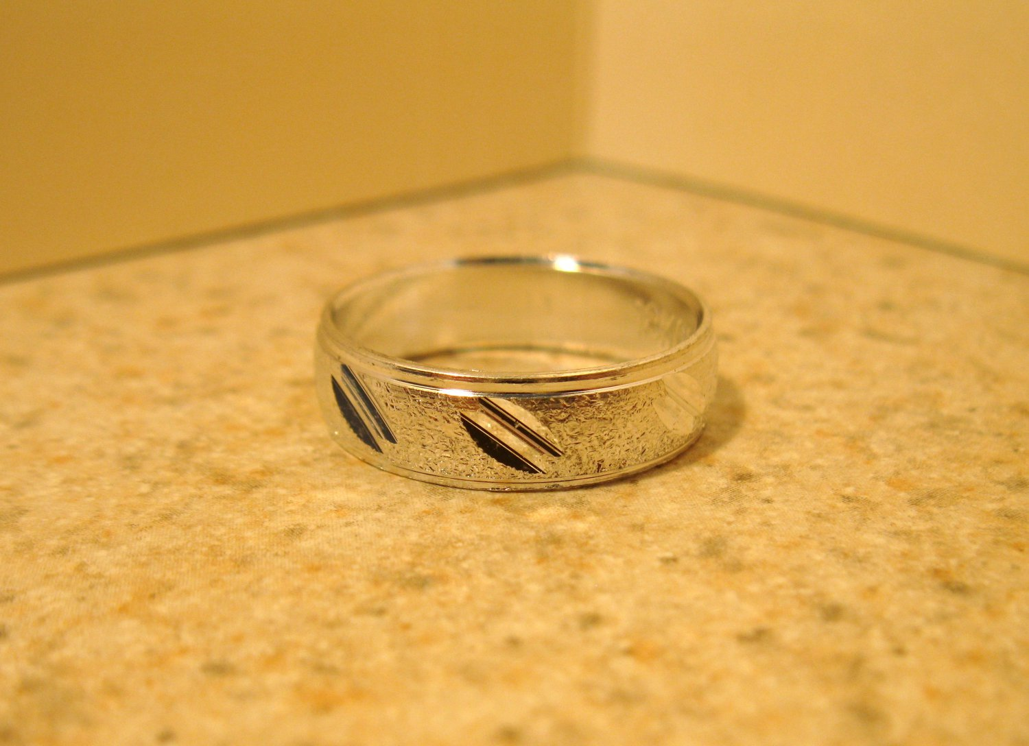 Silver Plated Double Wide Notch Design Aluminum Ring Unisex Size 8 New! #983