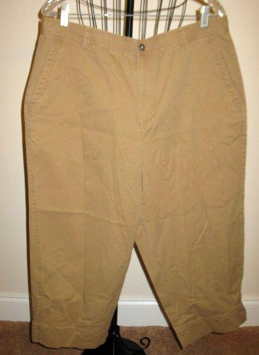 Beautiful Khaki Beige Capri Pants by Liz Claiborne Size 16 Nice! #T909