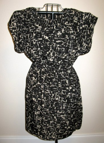Beautiful Black & Beige Figured Dress with Peek-a-Boo Neck by Mossimo Nice X103
