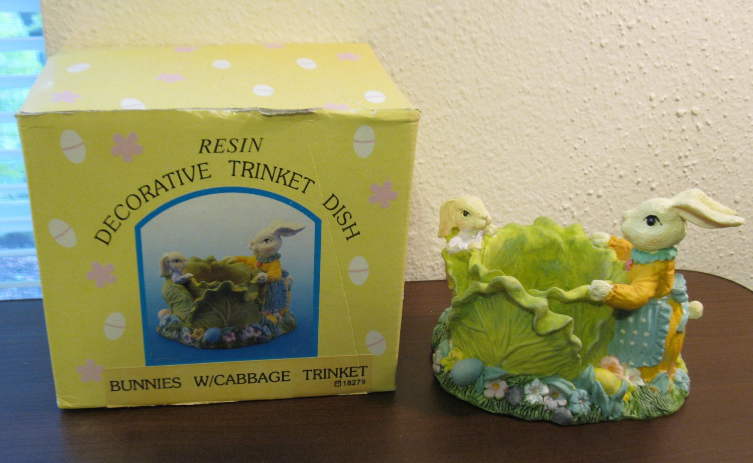 Collectible Resin Bunnies With Cabbage Decorative Trinket Dish Nice! #T1011