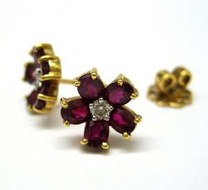 2.65CT 18K YELLOW GOLD DEEP RED RUBY DIAMOND STUD EARRINGS POST G VS NATURAL