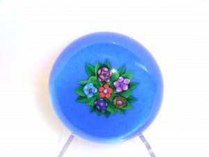 Signed Peter  Holmes  Traditional Lampwork  Paperweight