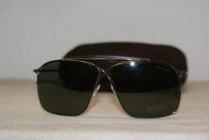Brand New Tom Ford Gunmetal Sunglasses: Mod. TF 0194 194 (08N) 60-09 & Case
