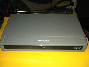 ***Magnavox DTV Digital Analog Converter Box TB100MG9***LQQK