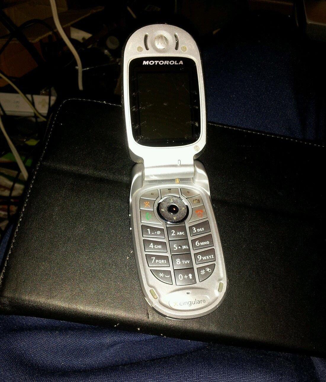 MOTOROLA V557 AT&T PHONE,