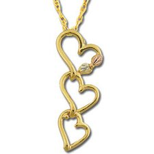 Black Hills Gold 3 Entwined Hearts Necklace
