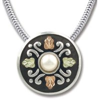 Black Hills Gold Pearl Antiqued Button Steling Silver Serpentine Necklace