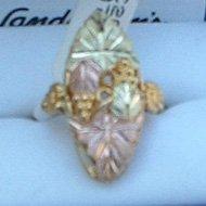 Black Hills Gold Large Eye Catching Ladies Ring