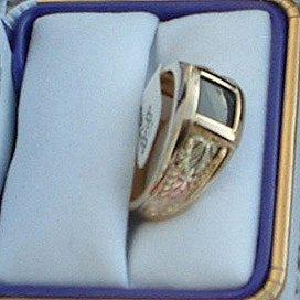 Black Hills Gold Balck Onyx 4 Leaf Men's Ring