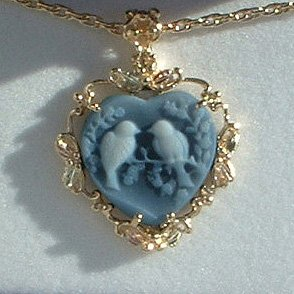 Black Hills Gold Lovebirds Blue Agate Cameo Necklace