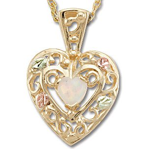 Black Hills Gold 4 Leaves LC Opal Heart Necklace