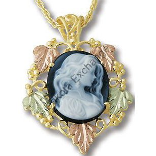 Black Hills Gold Gorgeous Girl Agate Cameo Necklace