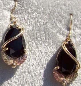 Black Hills Gold Earrings 2 Leaf Facet Black Onyx Pear