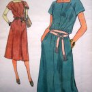 Vogue Vintage Day Dress A Line Shirtwaist Square Neck Raglan Slv B 31 1/2 Retro Sewing Pattern 7057