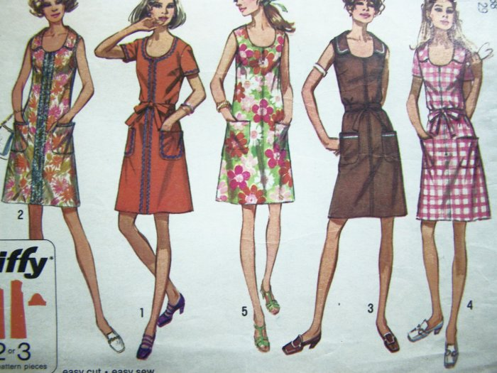 5.00 Vintage Sewing Pattern Sale 70's Front Zip Dress B 38 Sz 16 Easy 8872