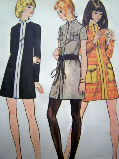 1970's Vintage Sewing Pattern Mini Dress A line Front Zip Patch Pockets Junior Petite Jrs 5902