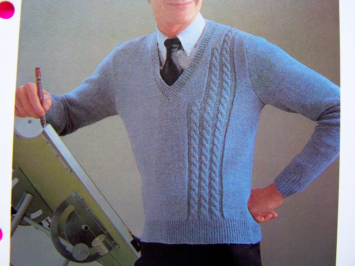 Vintage Knitting Pattern Mens V Neck Sweater with Graduated Cable Knit Chest Sz 34 36 38 40