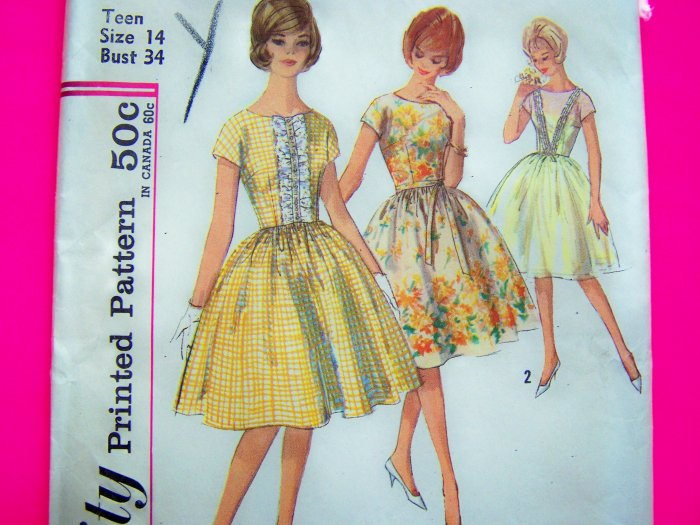 1950's Vintage Party DRESS Full Skirt Button On Ruffle B 34 Teen Girls Sewing Pattern 4817