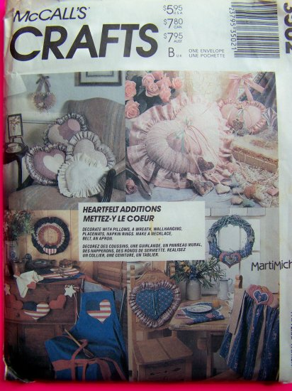 Pillows Wreath Wallhanging Placemats Napkin Rings Necklace Belt Apron Sewing Pattern 3502