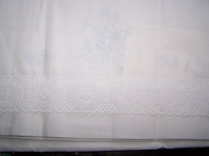 Embroidery Stamped Martex Lace Pillowcases Pair Floral Bouquet 2 Needlepoint Pillowcase