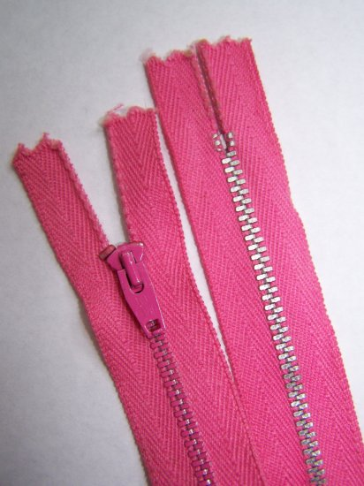 "New Vintage Dark Bubble Gum Pink 9"" Metal Zipper"